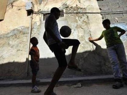 Baby calciatori fatti entrare illegalmente