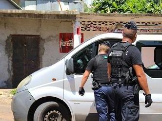 Mayotte. Tre bimbi di 4 anni trovati morti in auto, forse per disidratazione