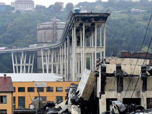 Conte: «Revocheremo la concessione ad Autostrade». Sabato i funerali di Stato delle vittime di Genova