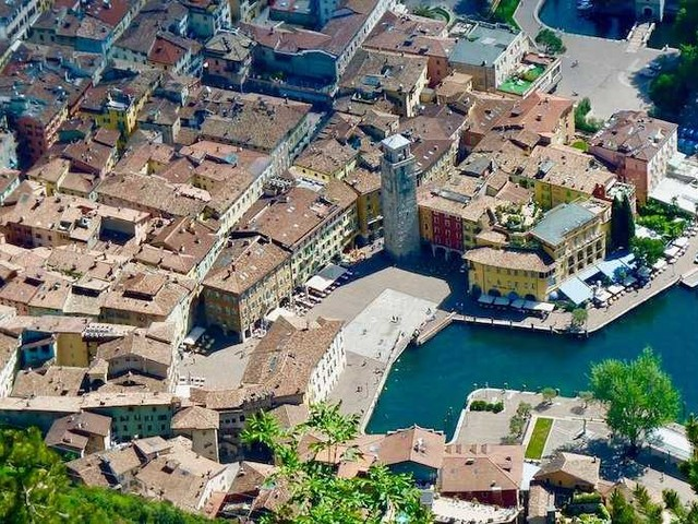 Cosa vedere a Riva del Garda, cosa fare e dove alloggiare