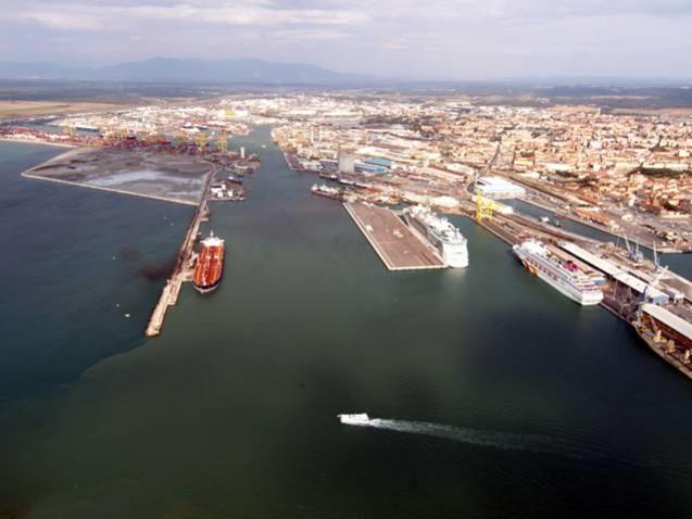 Dal porto di Livorno emissioni di CO2 pari a quelle di 63.000 auto