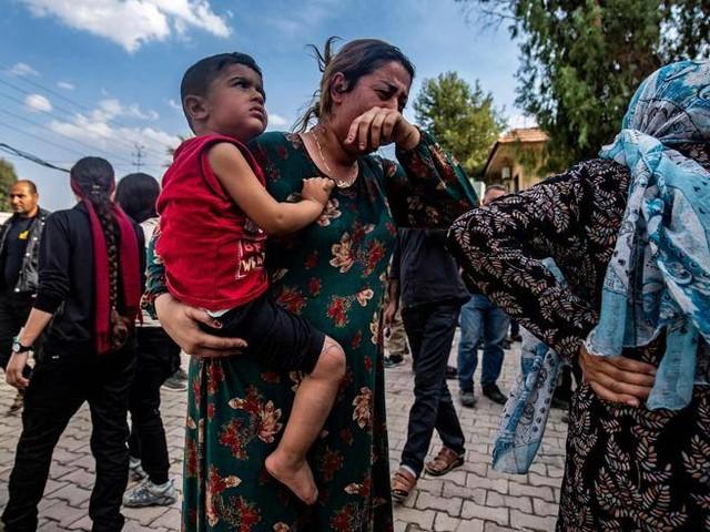 I curdi accerchiati, inizia la «tregua»Tre leader europeiinvitano Erdogan