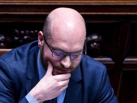 Governo: Conte, Fontana ministro per gli affari Ue, Locatelli alla famiglia. Alle 18 il giuramento