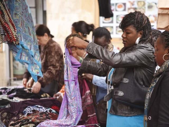 Mercatini Parigi da vedere: il mercato africano