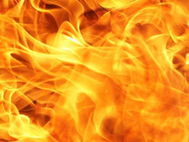 Brindisi, anziano da fuoco all'auto della vicina: incastrato dalle telecamere
