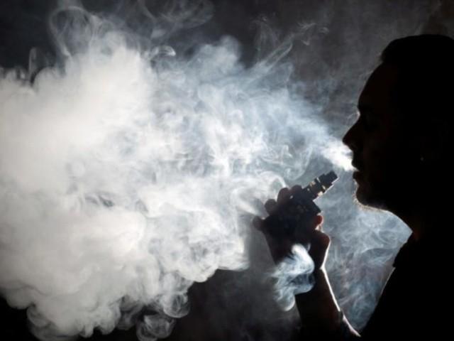 Usa, le morti legate alle sigarette elettroniche salgono a sei: Trump pensa di proibirle