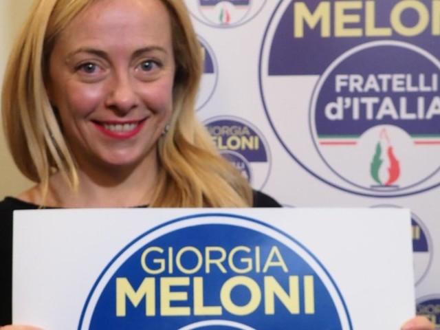 Dopo Berlusconi e Salvini, anche Giorgia Meloni mette il nome nel simbolo
