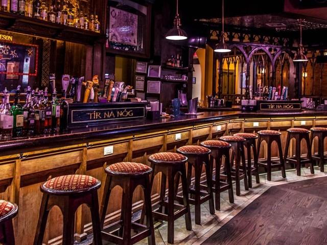 Catanzaro, bar chiude a mezzanotte e riapre 15 minuti dopo: su Dpcm solo orario chiusura