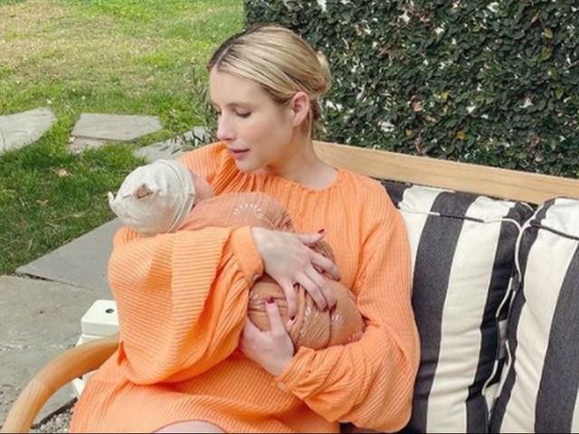 Emma Roberts mamma, prima foto col figlio per la nipote di Julia Roberts