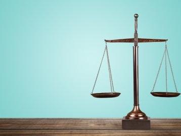 Giudizio improcedibile se l'avvocato non deposita le note scritte