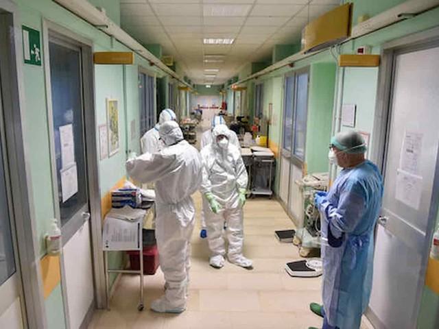 Coronavirus bollettino oggi 16 gennaio: 16.310 nuovi casi, 475 morti. Tasso positività al 6,3%