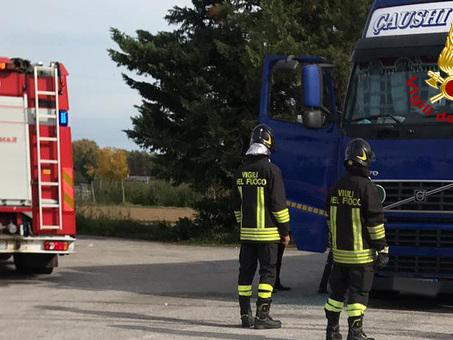 Tragedia in area di servizio: nel tir fermo da troppo tempo c'era il cadavere del camionista