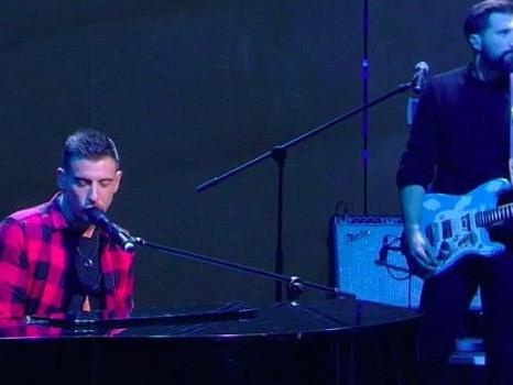 Francesco Gabbani a Che Tempo Che Fa presenta il singolo La Mia Versione Dei Ricordi, capitolo finale di un anno di successi (video)
