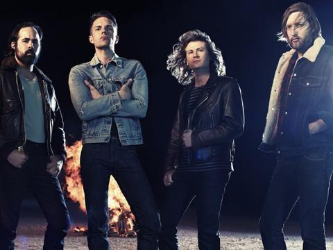 """Killers, l'omaggio a Las Vegas nel video di """"The man"""""""