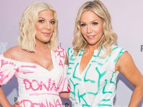 BH90210 fa sognare i fan: anche Jennie Garth e Tori Spelling vogliono una seconda stagione