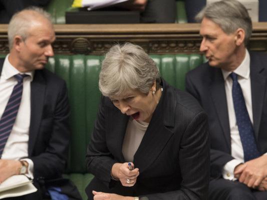Sembra che la Brexit abbia davvero fatto perdere la testa ai politici britannici