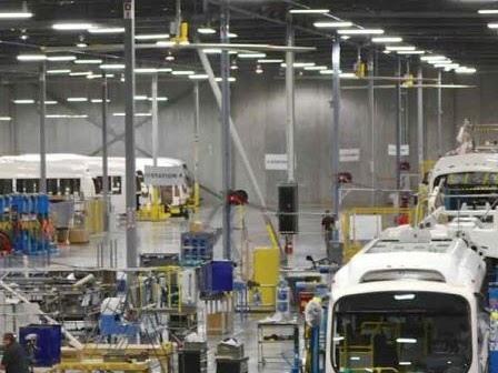 La California emette un'ordinanza per l'introduzione di mezzi elettrici pesanti. Un modello da replicare?
