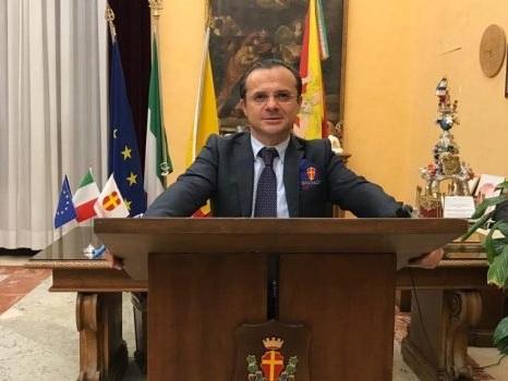 Messina, insultò il ministro Lamorgese: multa da 1500 euro per il sindaco Cateno De Luca