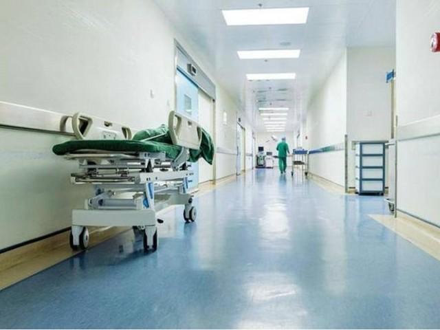 Assenteismo in ospedale, 13 arresti e 30 indagati. Coinvolti 18 medici, anche primari