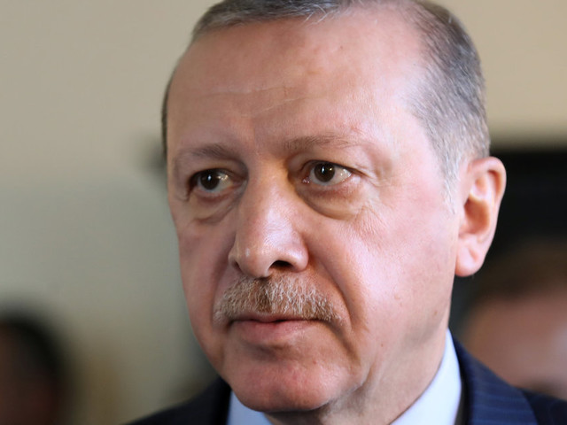 Erdogan dal Papa. Poi incontri con Mattarella, Gentiloni e imprenditori italiani. Alla larga i giornalisti