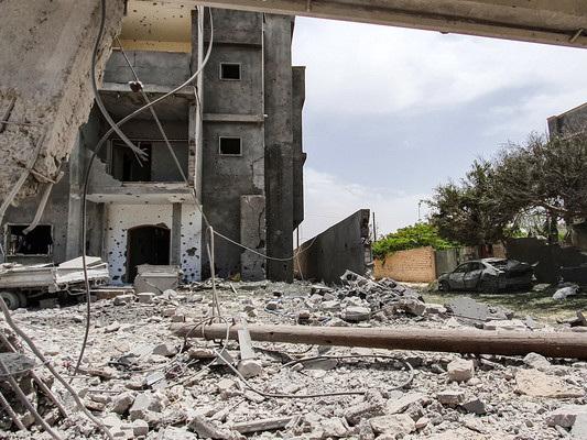 Un raid aereo di Haftar ha causato almeno 42 morti in Libia