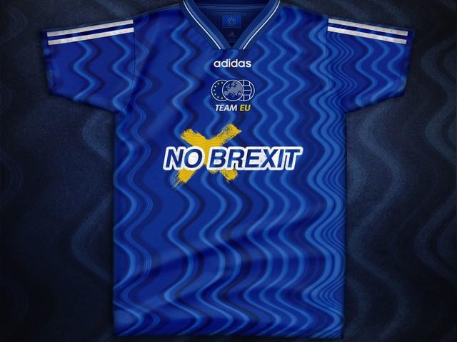 """A scacchi o con le onde, in ogni caso """"No Brexit"""": ecco come sarebbe la maglia dell'UE"""
