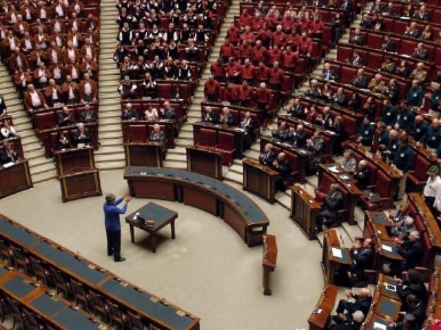 Olanda, approvata la mozione sulla revoca della liberalizzazione di visti per i cittadini albanesi