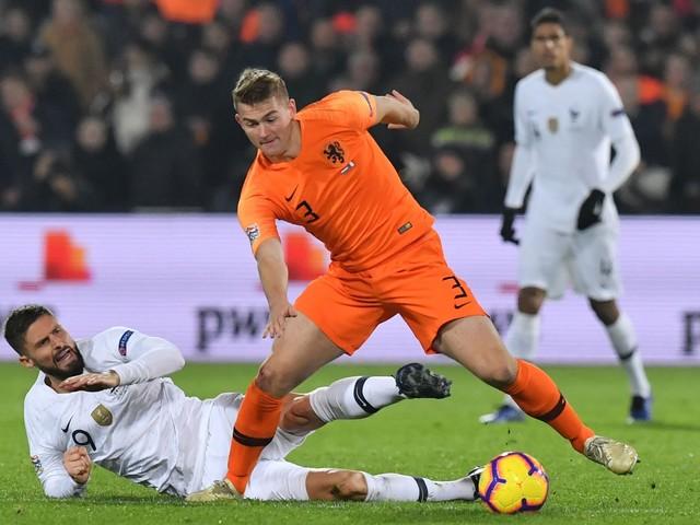De Ligt batte Seedorf: è il più giovane ad aver raggiunto 20 presenze con l'Olanda