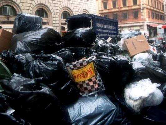 L'annosa e infinita crisi dei rifiuti a Roma
