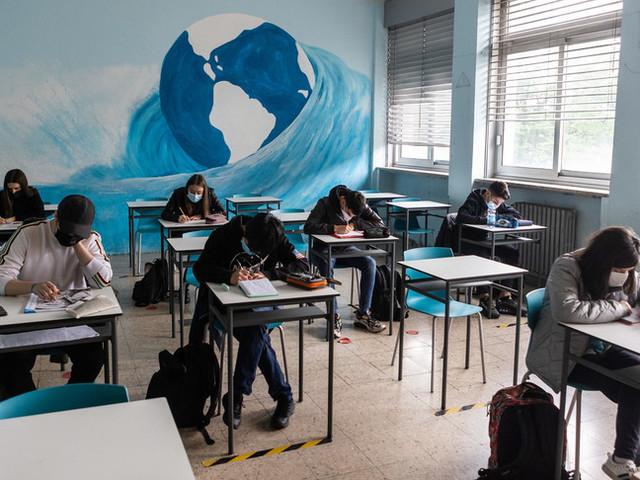 Nel mondo tra i 10 e i 16 milioni di bambini rischiano di non tornare mai più a scuola