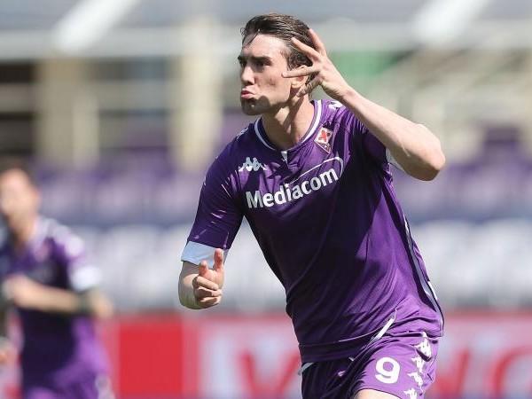 Fiorentina, c'è già un piano anti-Milan per Vlahovic