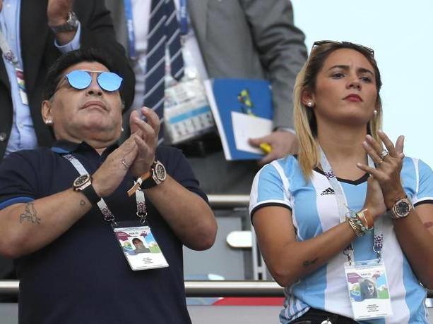 Maradona, il giallo dell'eredità s'infittisce: mistero sulle donazioni milionarie all'ex fidanzata Rocio