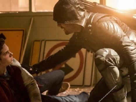 Il miglior episodio di Arrow 6 mostra la verità sullo scontro tra Oliver e Cayden? (Video)