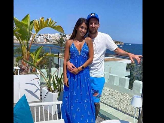 """Messi ricarica le pile in ottica Champions ma intanto si rilassa ad Ibiza: """"Grande giorno"""""""