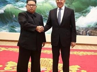 """Coree, Pompeo: """"Passi avanti"""". Braccio destro di Kim a Washington per consegnare lettera a Trump"""
