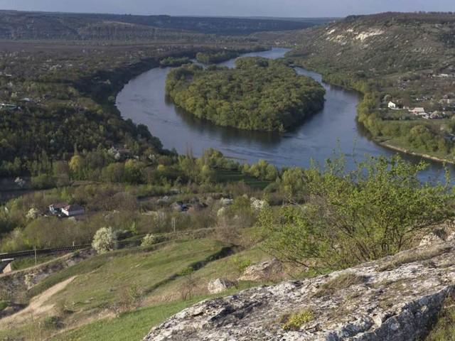 In Moldova esiste un lago a forma di cuore