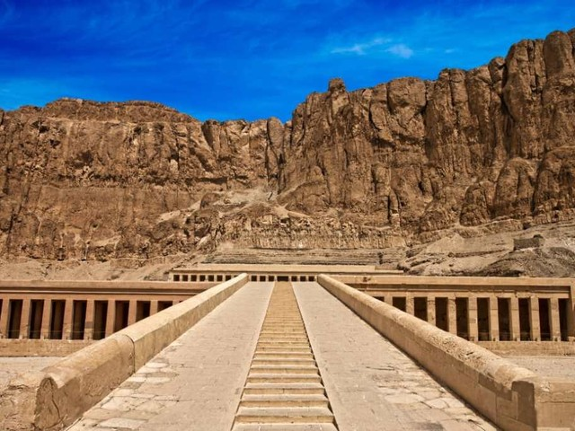 Dopo 10 anni di restauri, riapre al pubblico la tomba di Tutankhamon