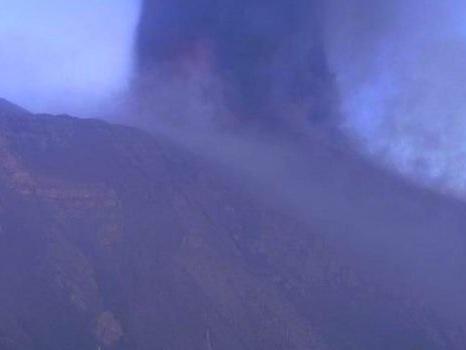 """Etna in azione, Barbagallo: """"Immediate risorse ai comuni colpiti da cenere vulcanica"""""""