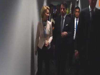 """Giuseppe Conte incontra Ursula von der Leyen, l'affondo di Salvini: """"È andato dai suoi datori di lavoro"""""""
