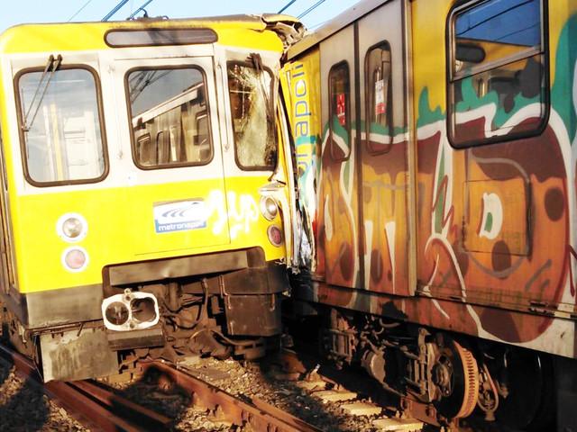 Scontro tra treni della metropolitana a Napoli: cinque feriti