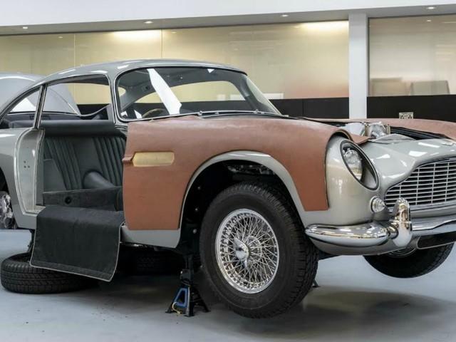 Aston Martin DB5 Continuation, ritorna l'auto di James Bond. Gadget compresi