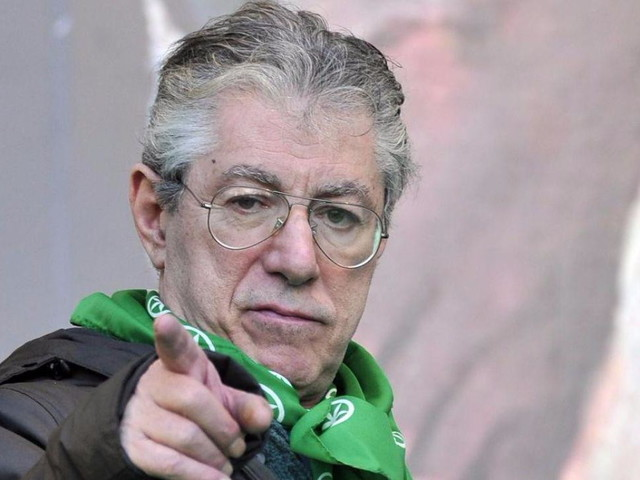 """Varese, Umberto Bossi ricoverato in ospedale: """"Condizioni non gravi"""""""