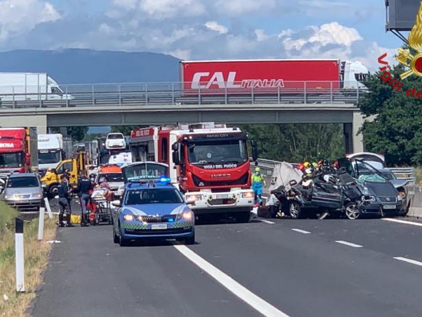 Incidente autostradale sulla A1 ad Arezzo: morte quattro persone