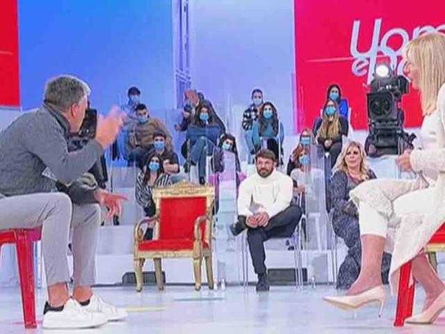 """Uomini e Donne, Maurizio: """"non ero innamorato di Gemma, mi piace come donna""""   Video Witty Tv"""