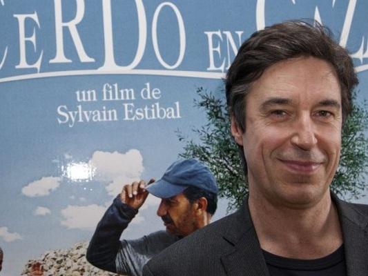 """Sylvain Estibal ritorna alla regia con """"Le Pape"""""""