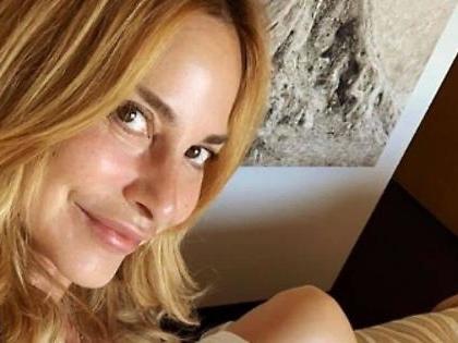 """Stefania Orlando, i fan fuori di testa: """"Mi chiedono di calpestarli, picchiarli e fargli pulire casa"""""""