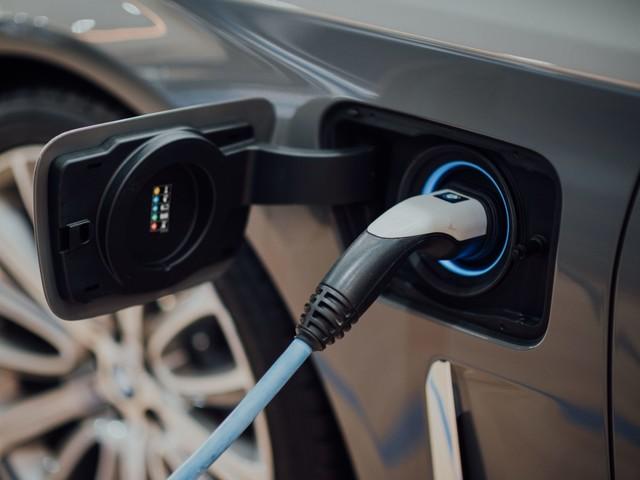 Vendite di auto ibride ed elettriche: mercato in ripresa dopo il lockdown