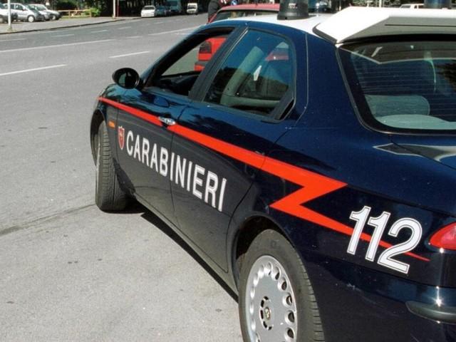 Lecce, percosse e minacce sui bambini della scuola materna: interdetta insegnante di 61 anni