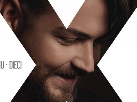 Valerio Scanu presenta Dieci, da Amici al nuovo album ripercorre 10 anni di carriera
