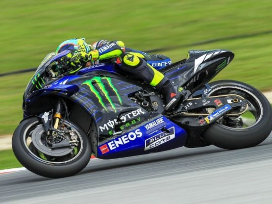 DIRETTA MotoGP, GP Catalogna 2020 LIVE: Morbidelli in pole position! Valentino Rossi 3°! Dovizioso 17°